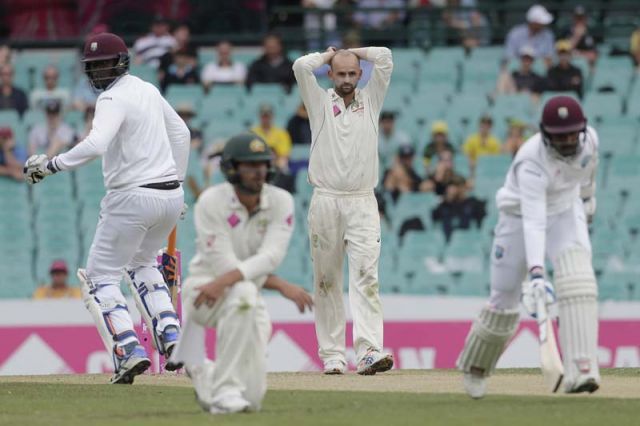 सिडनी टेस्ट: मैच में बारिश ने डाला खलल, वेस्टइंडीज 7 विकेट पर 248 रन