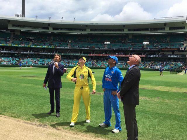 IND vs AUS : भारत ने जीता टॉस, पहले बल्लेबाजी करने का फैसला