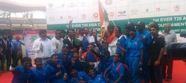 भारत ने पहले T-20 एशिया कप पर जमाया कब्ज़ा , पाकिस्तान को दी मात