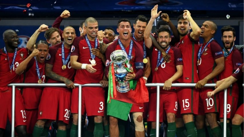 Portugal lift Euro 2016 trophy, celebrates it like never before