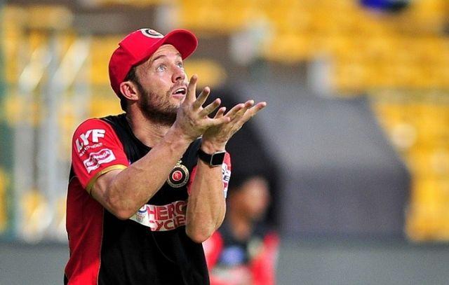 IPL- 9 : बल्लेबाजी ही नहीं, कैच लपकने में भी डिविलियर्स का जवाब नहीं