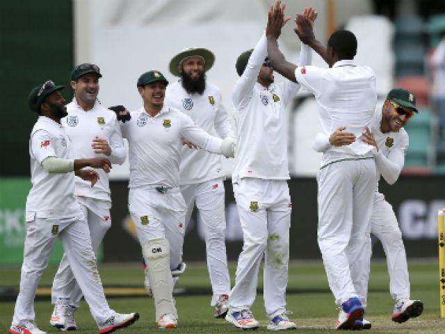 दक्षिण अफ्रीका ने आस्ट्रेलिया को दी पारी और 80 रनों की शिकस्त