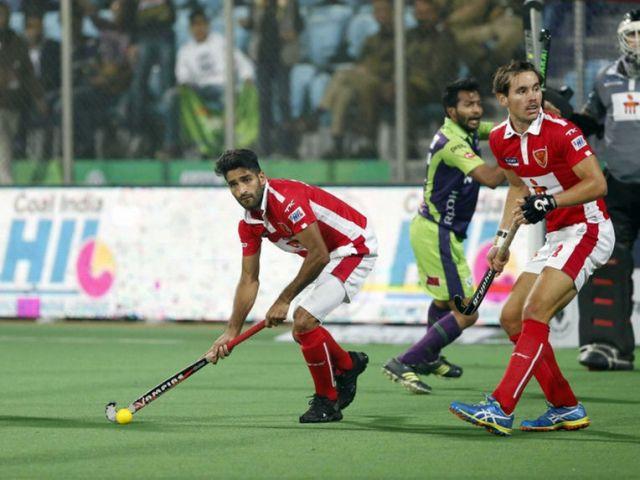 मुंबई ने चौथे क्वार्टर में 8-3 से शानदार जीत दर्ज की