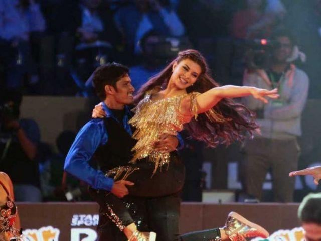 PBL के भव्य ओपनिंग सेरेमनी में जैकलीन ने अपने नृत्य से लोगों को झूमने पर मजबूर कर दिया