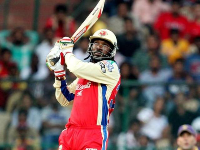 IPL : गेल ने लगाया छक्कों का दोहरा शतक