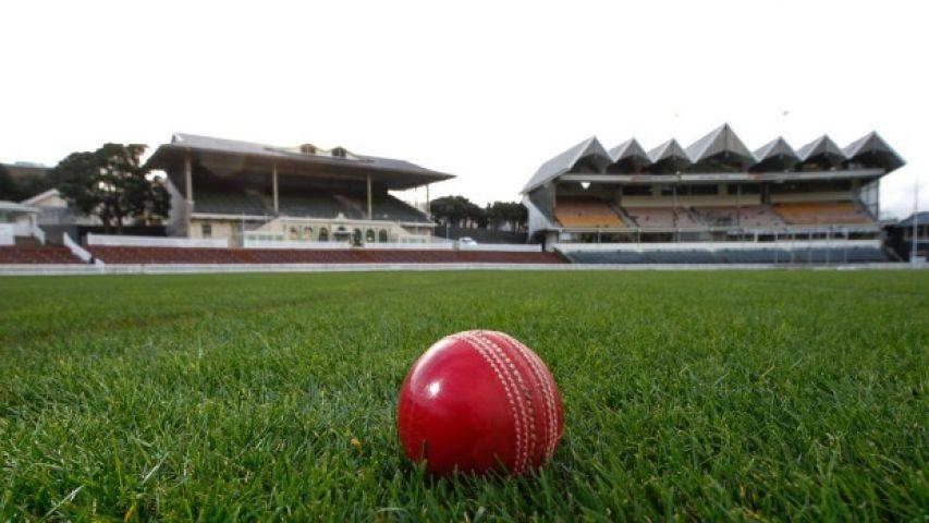 बिजली गिरने से महिला क्रिकेट टीम बाल-बाल बची