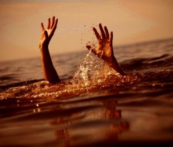 नहर में डूबो कर कर दी पत्नी की हत्या