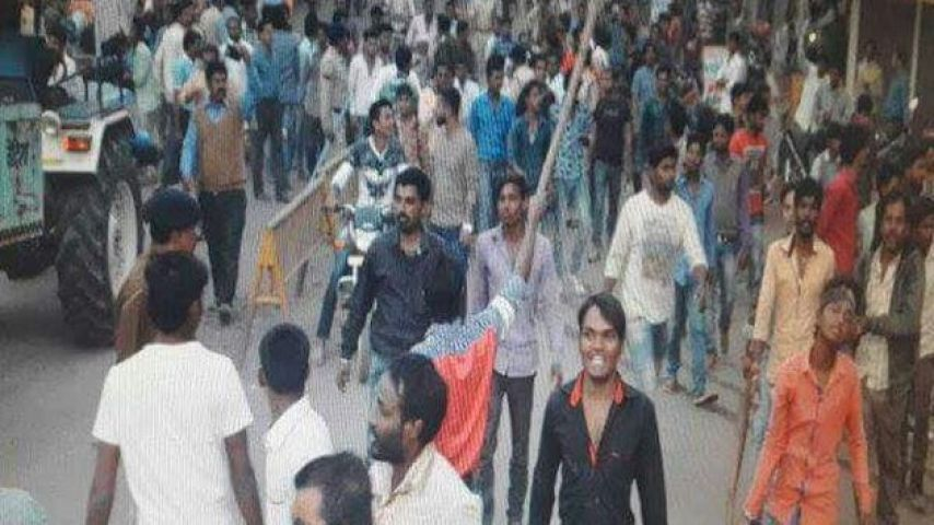 विहिप नेता की हत्या के विदिशा कर्फ्यू के साये में