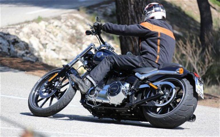 शोरूम कंपनी को टेस्ट ड्राइव में खोनी पड़ी 6 लाख की हार्ले डेविडसन बाइक