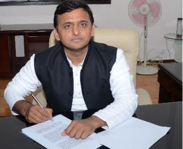 अखिलेश ने पत्र लिख मोदी से मांगे 1000 करोड़ रुपये