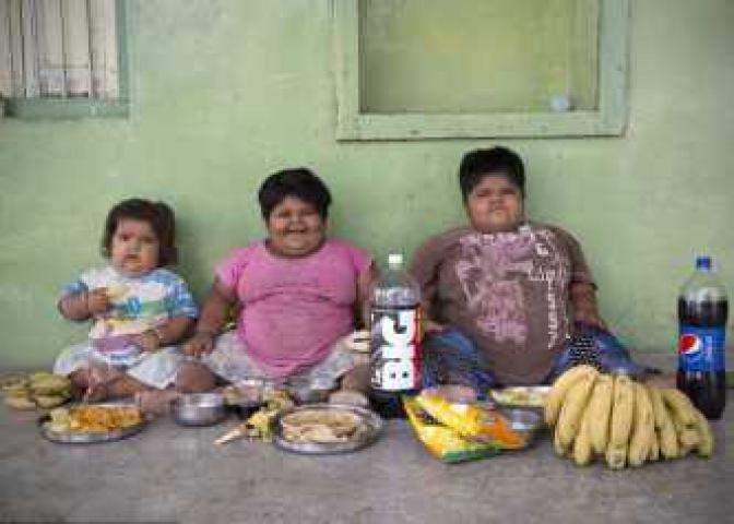बच्चों के इलाज के लिए किडनी बेच रहा एक पिता