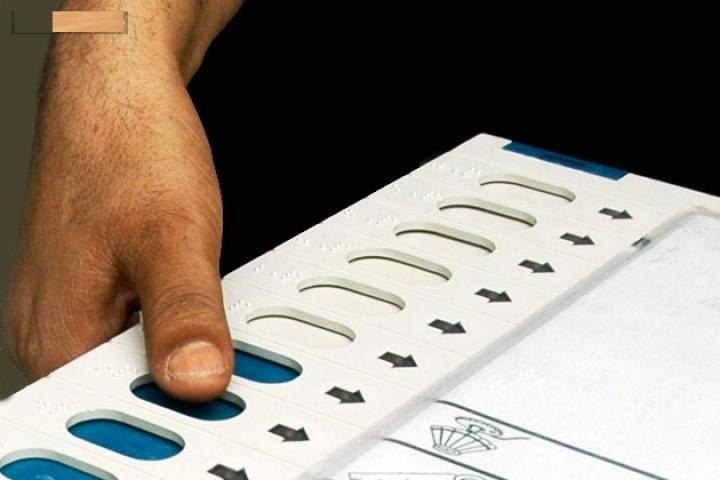 छिटपुट घटनाओ के बीच कोलकत्ता में हुआ नगर निगम चुनाव