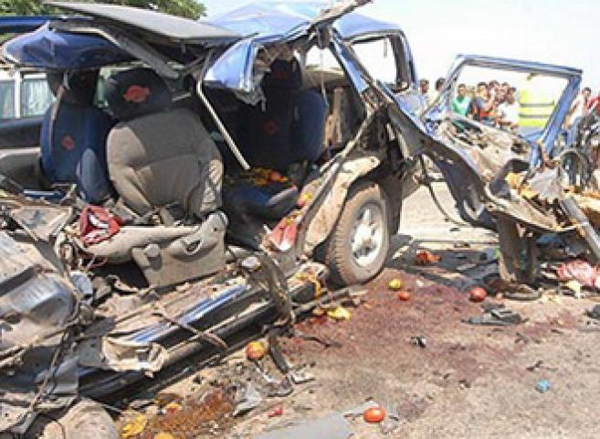 वाहन दुर्घटना में 5 बच्चों की मौत, सड़क पर उतरे लोग