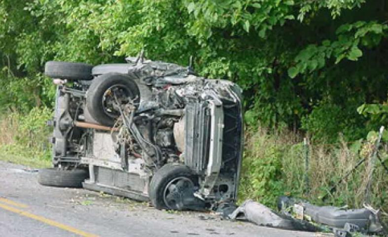 सड़क दुर्घटना में 4 लोगो की मौत