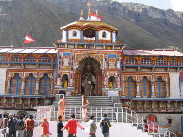 केदारनाथ के बाद बद्रीनाथ के भी खुले पट