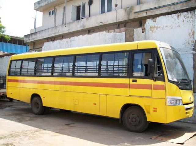 जम्मू में अज्ञात लोग स्कूल बस लेकर फरार