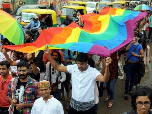 समलैंगिकता पर फिर छिड़ी न्यायिक बहस