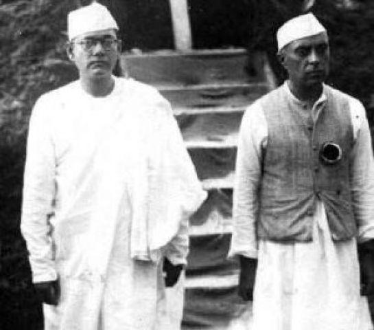 नेताजी का खजाना गायब करने वाले को नेहरू ने दिया था पुरस्कार