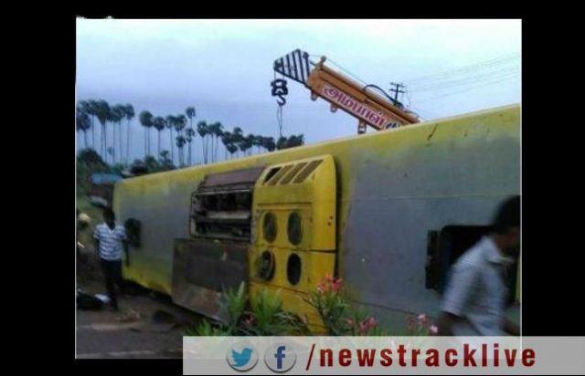 तमिलनाडु में बस पलटने से दर्दनाक हादसा, 10 की मौत, 18 घायल