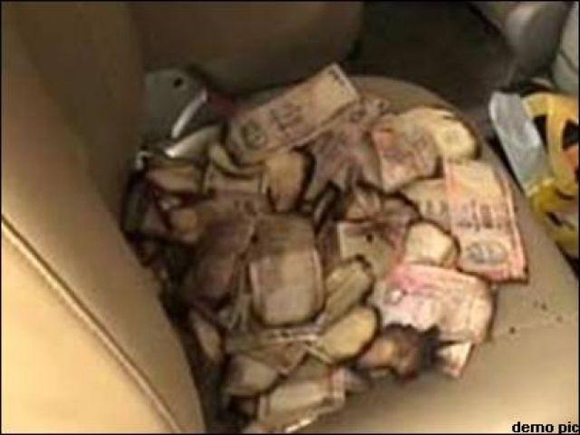 भिखारी के घर लगी आग, 3 बोरी रुपए जलकर राख