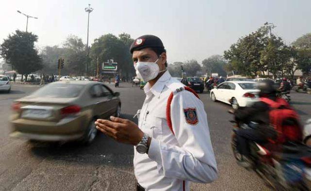 दिल्ली की हवा से हो सकता है कैंसर, खतरे में स्कूली बच्चे