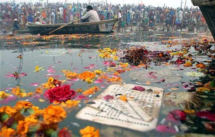 गंगा नदी में प्रदूषण पर उत्तर प्रदेश सरकार की खिचाई