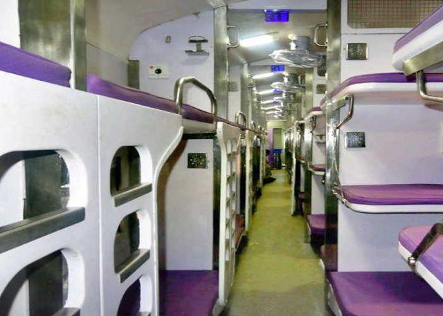 महामना एक्सप्रेस की मिलेगी यात्रियों को सौगात, आधुनिक होगी बोगियां
