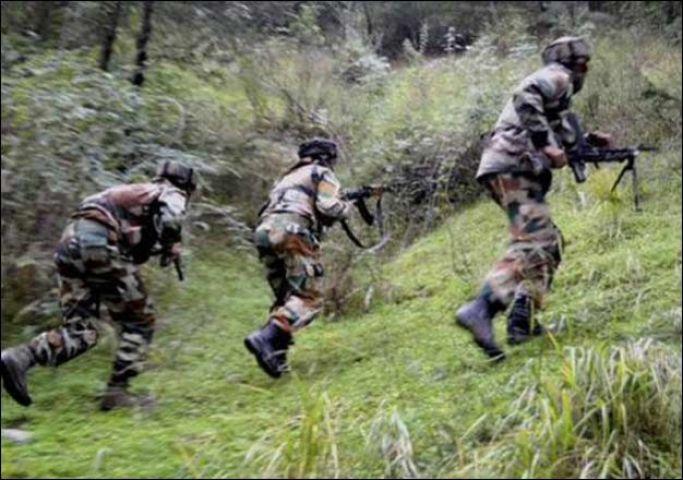 पुलवामा में सुरक्षा बलों और आतंकियों के बीच फायरिंग जारी
