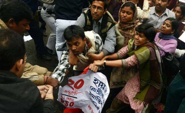 नही थम रहा दलित छात्र खुदखुशी मामला, आज केजरीवाल जाएंगे यूनिवर्सिटी