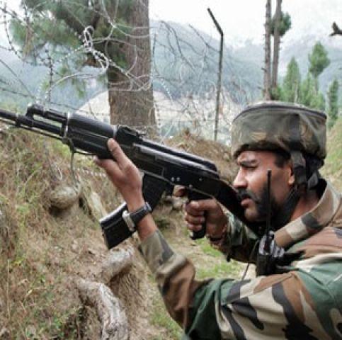 श्रीनगर : सुरक्षा बलों ने तीन उग्रवादियों को किया गिरफ्तार