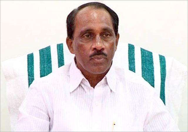बार रिश्वत कांड में फंसे केरल आबकारी मंत्री ने दिया इस्तीफा