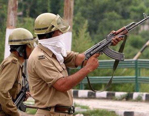 उत्तर प्रदेश में पुलिस मुठभेड़ में एक बदमाश धराया