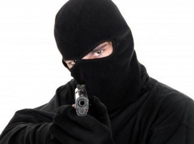 पठानकोट में अज्ञात बंदूकधारियों ने कार छीनी, पुलिस ने जारी किया अलर्ट
