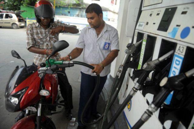 आज से नहीं मिलेगा बिना हेलमेट पेट्रोल