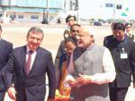 प्रधानमंत्री नरेंद्र मोदी उज्बेकिस्तान पहुंचे