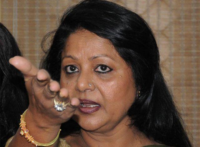 हवा में उड़े डाॅ. विश्वास, महिला आयोग ने लिखी गृहमंत्री को चिट्ठी