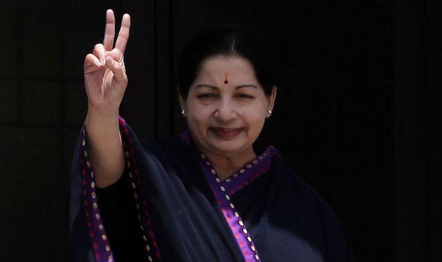 जयललिता के ऐसे भगत, भगवान बता कर, की वोट की मांग