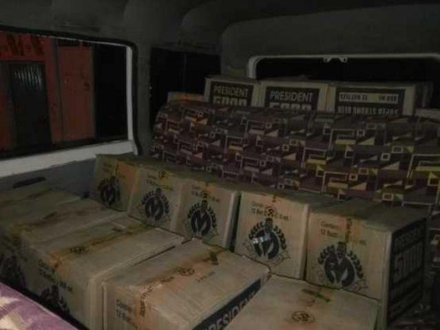 बिहार उत्पाद के नाम से बन रही अवैध शराब की फैक्ट्री पकड़ी