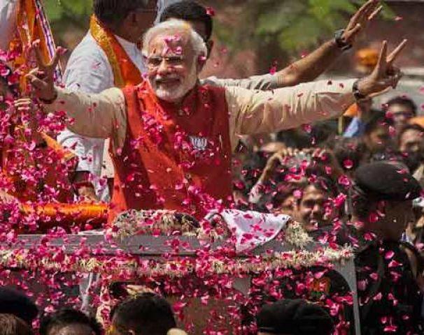 इंडिया गेट पर  मोदी सरकार का मेगा शो आज