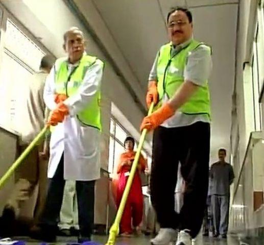 AIIMS पहुंचे स्वास्थय मंत्री, की सफाई
