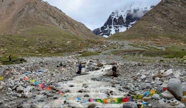500 तीर्थयात्री नेपाल के पहाड़ों पर फंसे