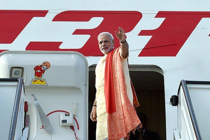 PM के विमान की इमरजेंसी लैंडिंग, किया 2 घंटे प्लेन में इंतजार
