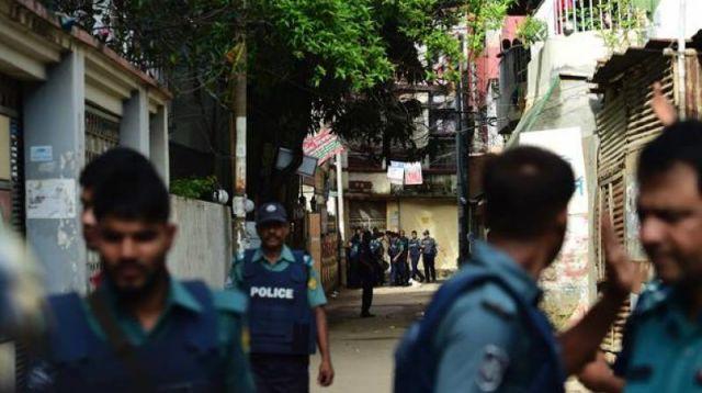 बांग्लादेश में 15 हिंदू मंदिरों पर हमला, उपद्रवियों ने फूंके हिंदूओं के घर