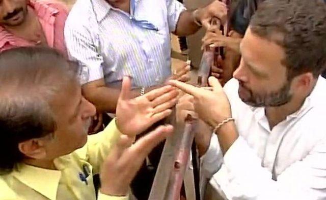 फिर से ATM पहुंचे राहुल गांधी, लोगों से जानी परेशानियां