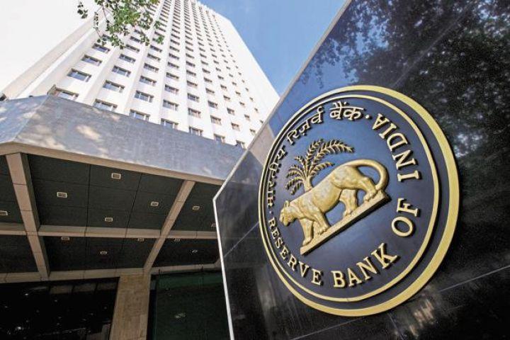 कमी आ रही विदेशी मुद्रा भंडार में