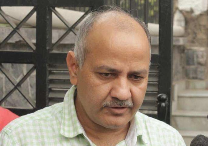 केजरीवाल सरकार पर भ्रष्टाचार के आरोप, सिसोदिया के रिश्तेदारों को दिया फायदा