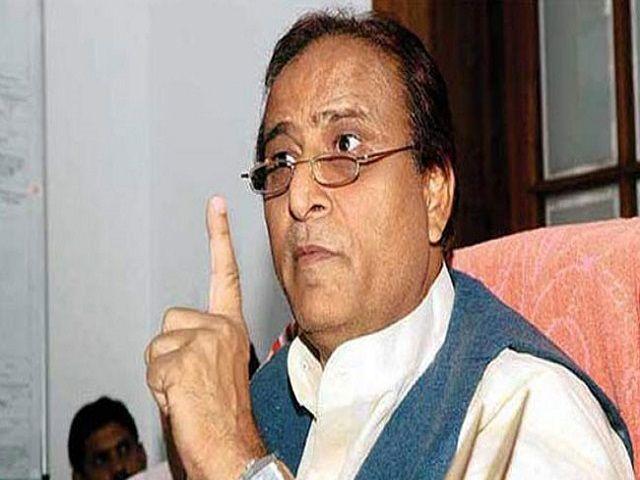 PM मोदी को आजम खान ने करार दिया देश का नया संत