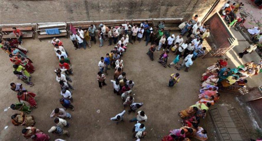 बूथ कैप्चरिंग के प्रयास के साथ चुनाव में हिंसा