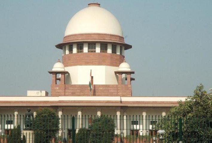 बढ़ते प्रदूषण पर केंद्र और दिल्ली सरकार को सुप्रीम कोर्ट का नोटिस