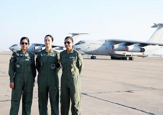 अब महिला पायलट भी उड़ाऐंगी लड़ाकू विमान